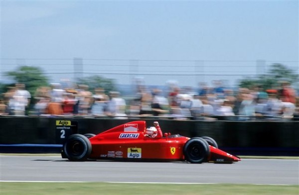MANSELL-chez Ferrari en 1990 - photo Manfred-GIET_