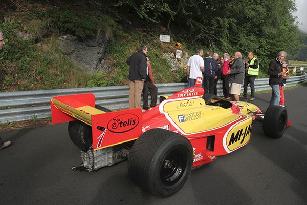 MONT DORE 2013 LA Formule INDY pilotee ce samedi 10 AOUT 2013 par Michel AUBERTIN le mecanicien de Daniel ROUVEYRAN - photo Gilles VITRY