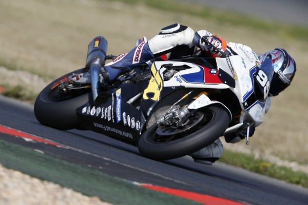 MOTO-ENDURANCE-2013-OSCHERLEBEN-BMW-MOTORAD-N°99-photo-MICHELIN.