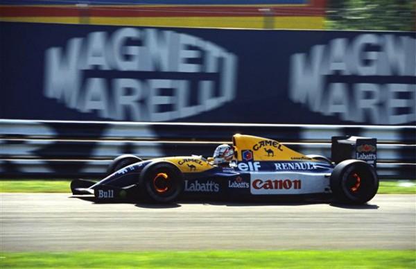 Mansell-Champion du monde de F1 lors de cette saison 1992-©-Manfred-GIET