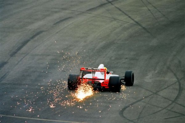 SPÄ-Ayrton-SENNA-Spa-Francorchamps-Raidillon-1991-©-Manfred-GIET
