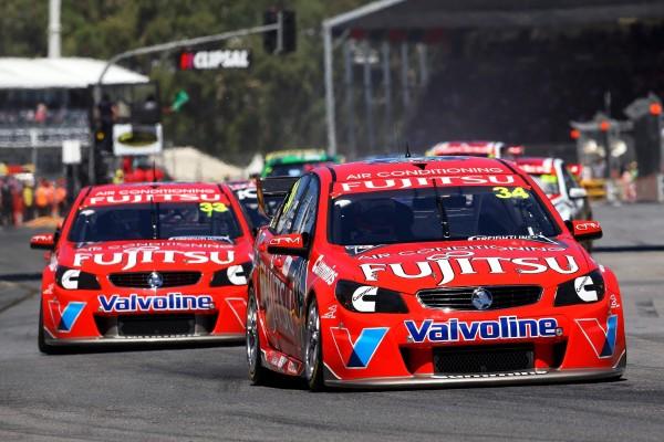 V8 2013 - Les deux HOLDEN du Team GRM de McLaughlin et Alex Premat