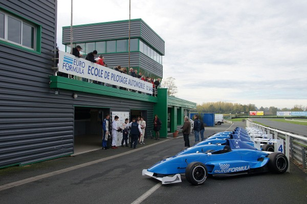 VOLANT-EUROFORMULA-2013-Photo Claude ROZE