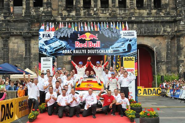WRC-2013-ALLEMAGNE-CITROEN-DE-SORDO-DEL-BARRIO-1-er-dimanche-28-aout-Photo-Jo-LILLINI.