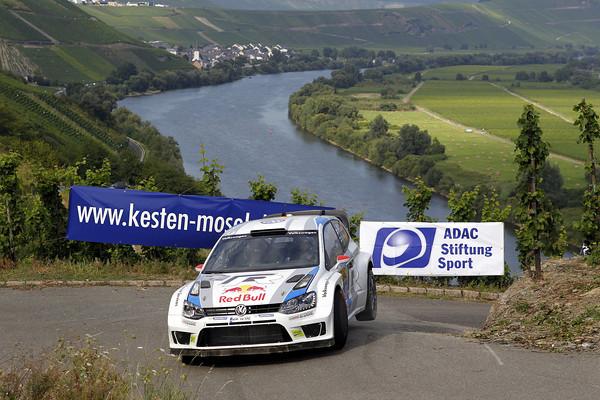 WRC-2013-ALLEMAGNE-La-VW-Polo-de-Jari-Matti-LATVALA-Photo-Jo-LILLINI.