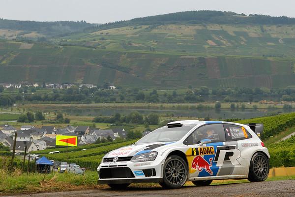 WRC-2013-ALLEMAGNE-VW-POLO-de-Sebastien-OGIER-Julien-Ingrassia-photo-Jo-LILLINI.