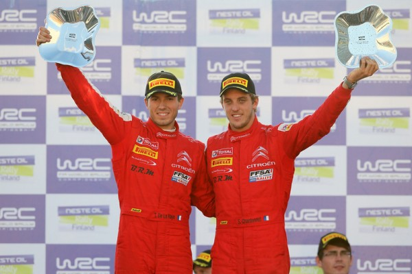WRC-2013-FINLANDE-CHARDONNET-DE-LA-HAYE-PODIUM-Second-de-leur-categorie