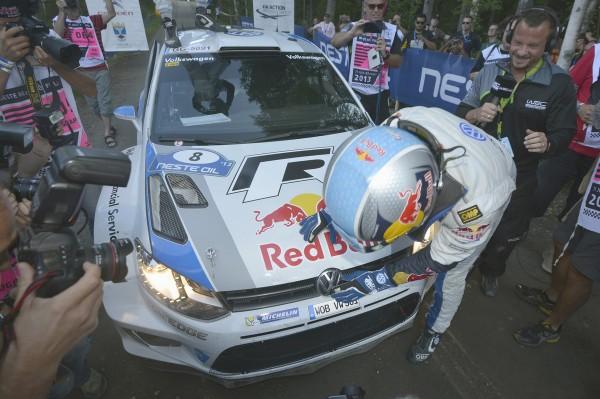 WRC-2013-FINLANDE-Seb-OGIER-merci-à-VW