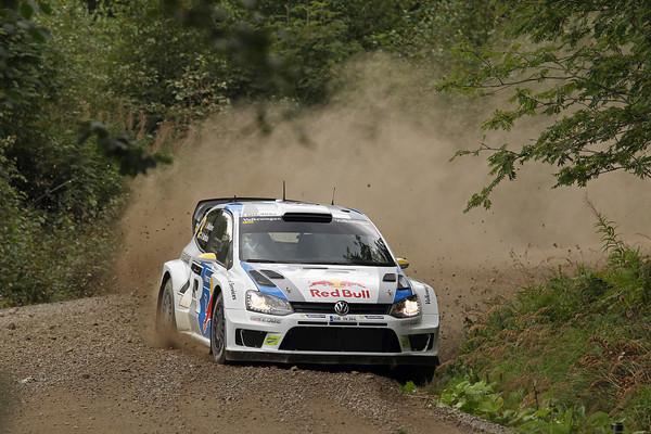 WRC-2013-FINLANDE-VW-ANDREAS-MIKKELSEN-Photo-Jo-LILLINI