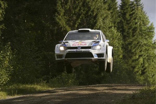 WRC-2013-FINLANDE-VW-POLO-de-Seb-OGIER-vendredi