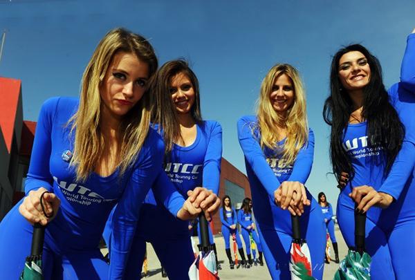 WTCC-2013-ARGENTINE-GRID-GIRLS