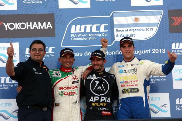 WTCC-2013-ARGENTINE-Podium-course-2-1er-Jose-Maria-LOPEZ-BMW-devant-TARQUINI