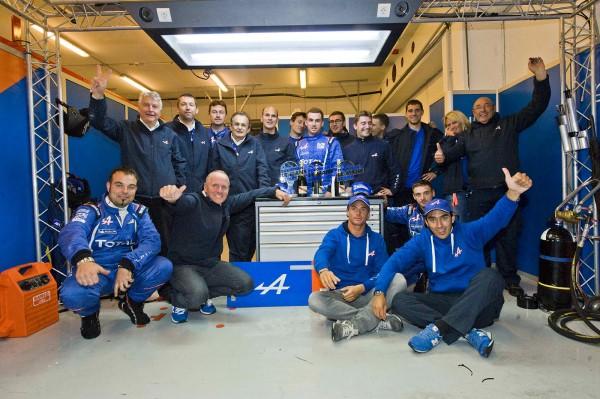 ELMS-2013-Team-ALPINE-SIGNATECH-tOUTE-UNE-EQUIPE-POUR-FETER-LE-TITRE-ELMS-2013