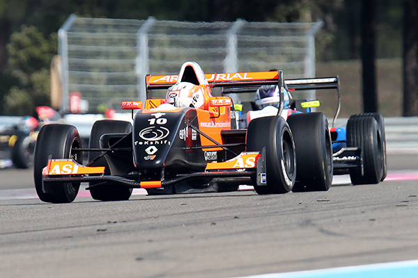 EUROCUP FORMULE RENAULT 2013 PAUL RICARD - Pierre GASLY - course 2 le 29 septembre - photo Gilles VITRY