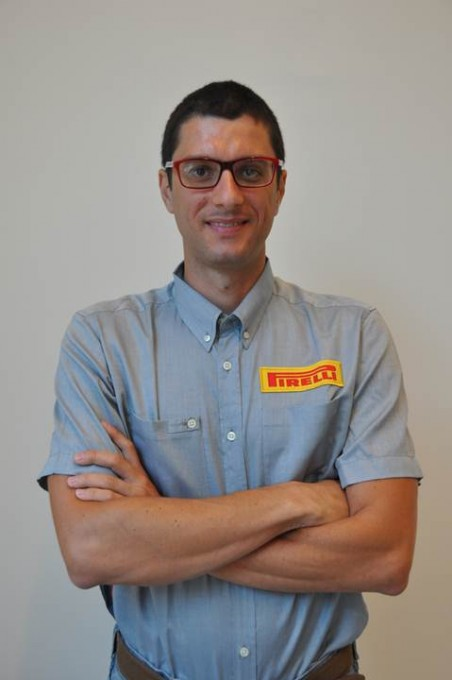 F1-2013-MONZA-Dario-Marrafuschi-ingénieur-maquettes-et-application-PIRELLI