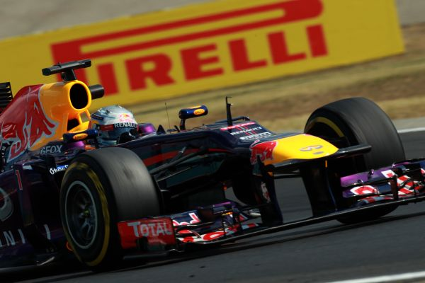 F1-2013-MONZA-RED-BULL-RENAULT-SEB-VETTEL-Photo-PIRELLI