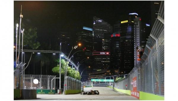 F1-2013-SINGAPOUR-KIMI-RAIKKONEN et sa LOTUS RENAULT