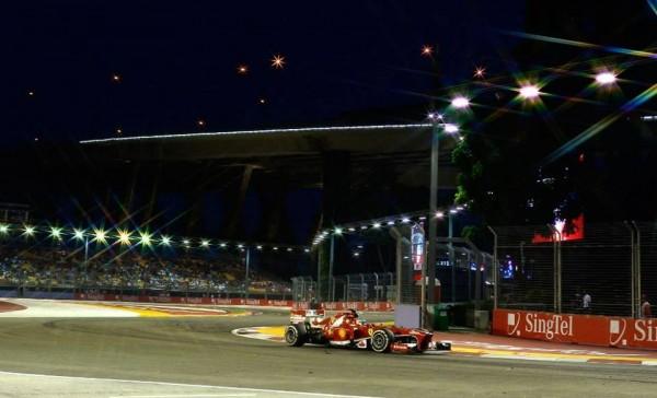 F1-2013-SINGAPOUR-La-FERRARI-de-Fernando-ALONSO-Photo-KASPERSKY