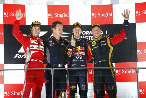 F1-2013-SINGAPOUR-Podium-1er-VETTEL-2-ALONSO-et-3-KIMI-RAIKKONEN-Photo-RENAULT