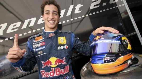 F1-DANIEL-RICCIARDO-portrait-photo-RST