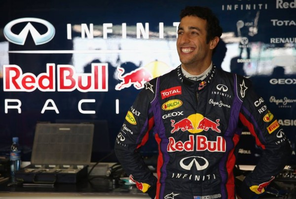 F1-DANIEL-RICCIARDO-rejoint-le-Team-RED-BULL-photo-RED-BULL