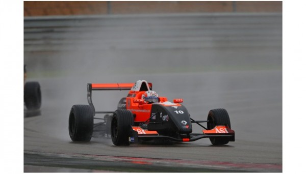 FORMULE-RENAULT-EUROCUP-2013-BUDAPEST-PIERRE-GSLY-1er-course.