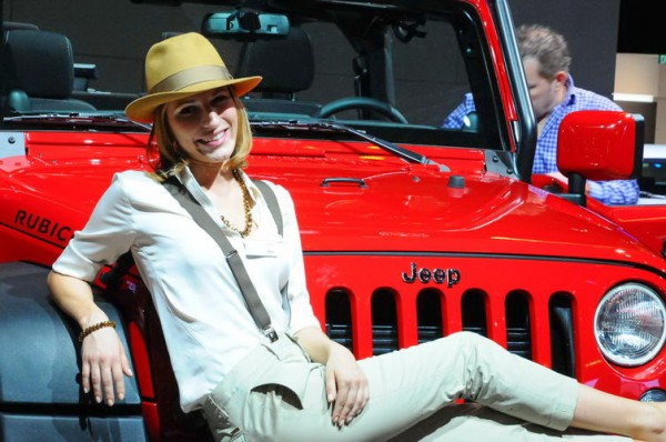 Francfort-2013-Lattrait-de-laventure-Jeep-girl-2-Photo-Patrick-Martinoli