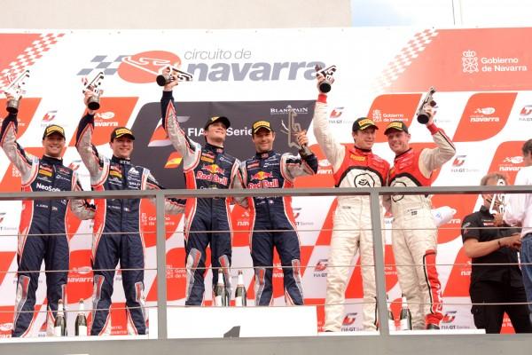GT FIA 2013 NAVARRA Le podium avec les deux équipages MCLAREN SLR - photo Claude MOLINIER