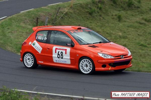MONTAGNE-2013-LIMONEST-Ardéchois-Véol-et-sa-206-RC-gagne-le-trophée-du-groupe-F2000