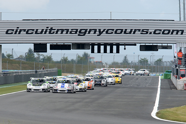 PORSCHE-CUP-2013-MAGNY-COURS-Depart-Photo-Gilles-VITRY