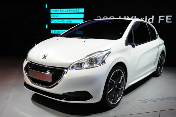 SALON-DE-FRANCFORT-2013-La-208-FE-Peugeot-a-tenu-ses-promesse.-2L1-aux-100-et-49-g-CO2-Photo-Patrick-Martinoli.