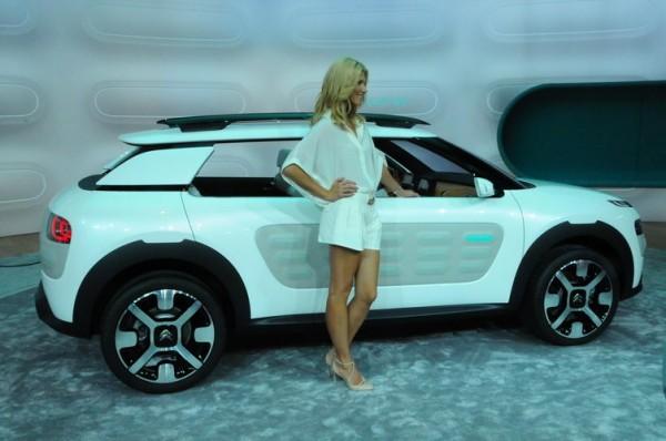 SALON-FRANCFORT-2013-La-Citroën-Cactus-un-concept-qui-se-rapproche-de-la-série-Photo-Patrick-Martino