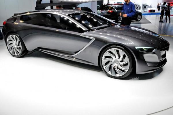 SALON-Frankfort-2013-Opel-propose-lun-des-plus-beau-concept-car-du-salon-avec-la-Monza.