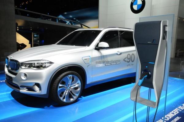 SALON-Frankfort-2013-Un-X5-hybride-rechargeable-démontre-que-BMW-réfléchits-tous-azimuts-Photo-Patrick-Martinoli