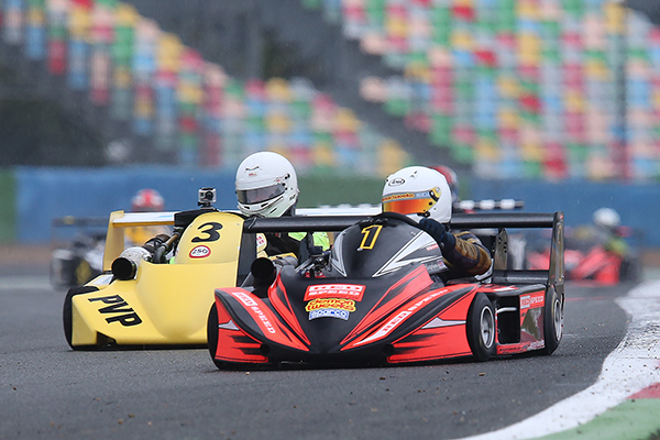 SUPERKART-2013-MAGNY-COURS-LEE-HARPHAM-GB-et-Henrik-LIJA-Photo-Gilles-VITRY