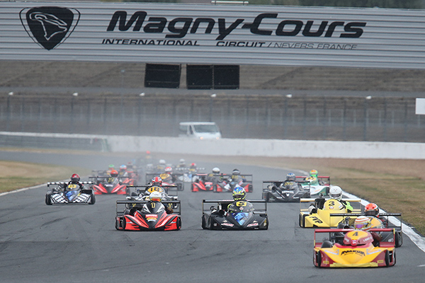 SUPERKART-250-2013-MAGNY-COURS-DEPART-Photo-Gilles-VITRY