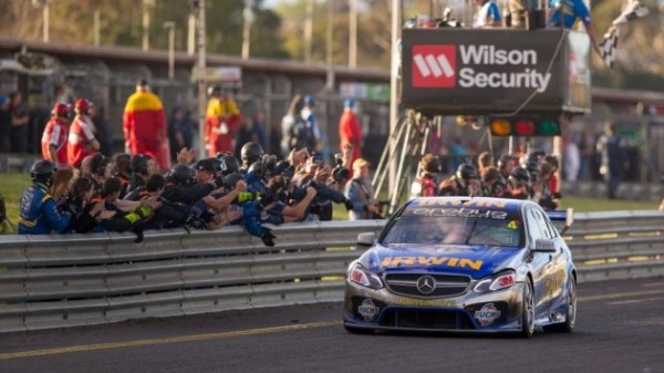 V8-SUPERCAR-2013-SANDOWN-MERCECES-TEAM-EREBUS