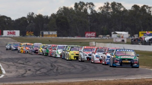 V8-SUPERCAR-2013-SANDOWN-le-PELOTON