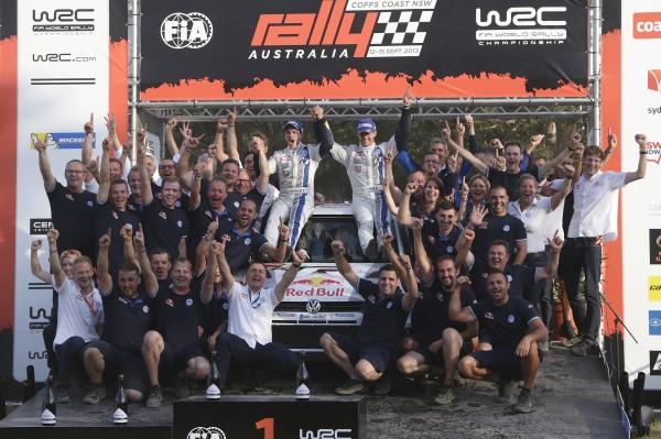 WRC 2013 AUSTRALIE EQUIPE VW fete la victoire OGIER-INGRASSIA dimanche 15 septembre 2013 a Coffs