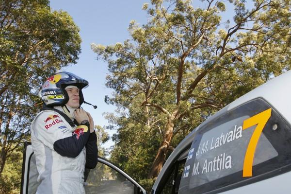 WRC 2013 AUSTRALIE LATVALA sort de sa POLO