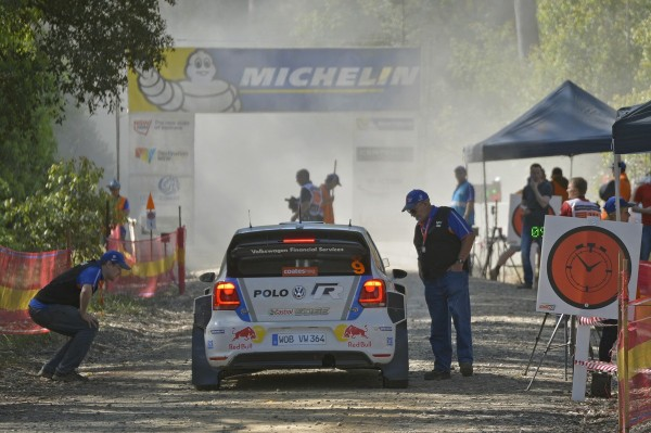 WRC-2013-AUSTRALIE-POLO-R-VW-de-Seb-OGIER-et-Julien-INGRASSIA