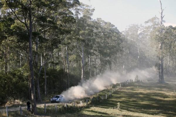 WRC-2013-AUSTRALIE-VW-Polo-R-WRC-Andreas-Mikkelsen