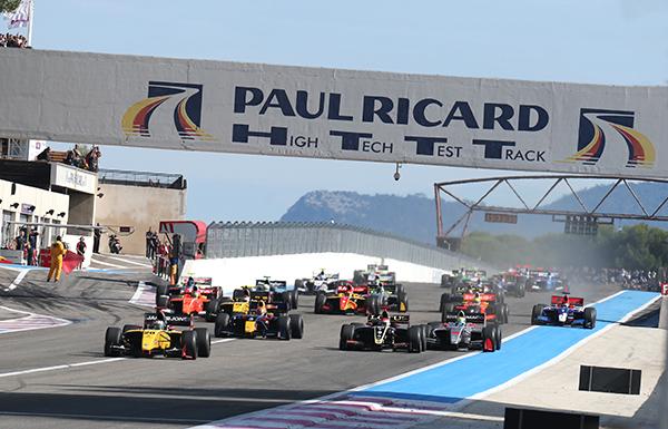 WSR-2013-PAUL-RICARD-le-depart-de-la-seconde-course-dimanche-29-septembre-Photo-Gilles-VITRY