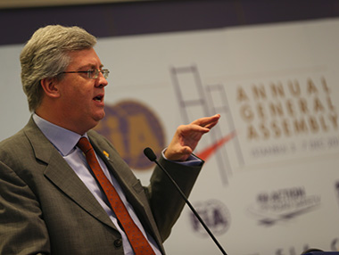 DAVID-WARD-Ancien directeur ce la Fondation de la la FIA