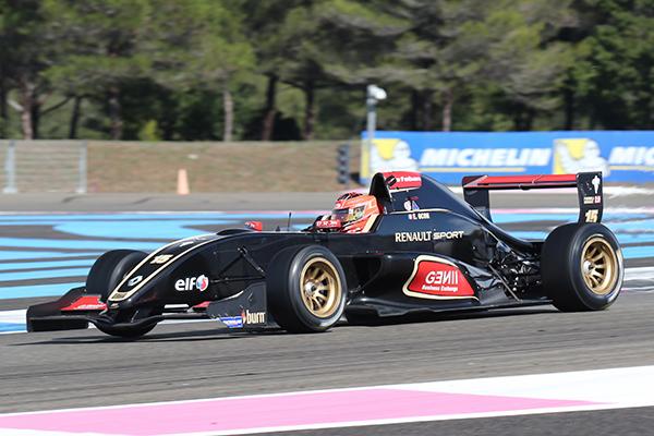 EUROCUP-Formule-RENAULT-2013-Paul-Ricard-Esteban-Ocon-1er-seconde-course-photo-Gilles-VITRY