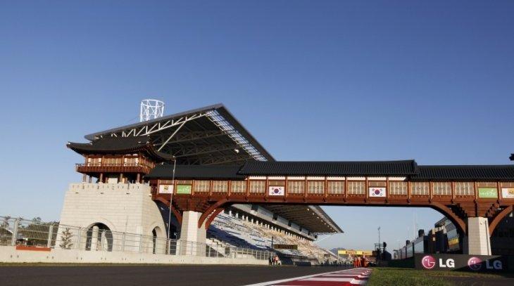 F1-2013-GP-COREE-YEONGAM-Photo-Team-RENAULT-F1