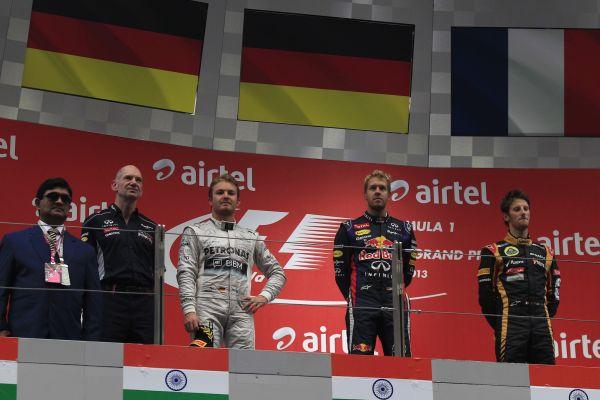 F1-2013-GP-INDE-Le-podium-avec-VETTEL-ROSBERG-et-GROSJEAN