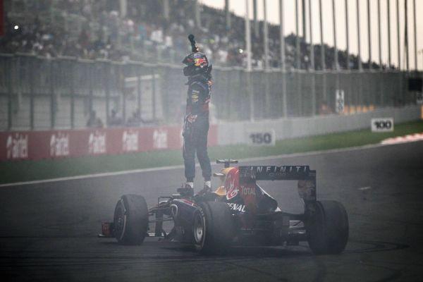 F1-2013-GP-INDE-SEB-VETTEL-est-champion-du-monde-2013