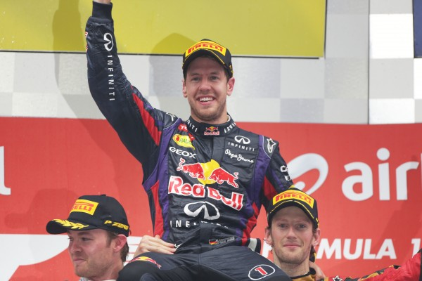 F1 2013 GP Inde ROSBERG et GROSJEAN portent VETTEL en triomphe pour son 4eme titre mondial Dimanche 27 octobre