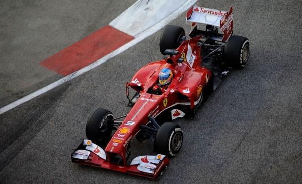 F1-2013-SINGAPOUR-FERRARI-ALONSO